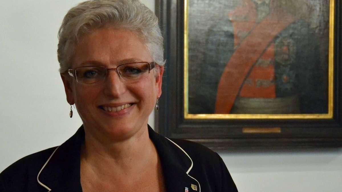 Mühldorf: <b>Ilse Preisinger-Sontag</b> ist die neue zweite Bürgermeisterin <b>...</b> - 25535079-ilse-preisinger-sonntag-csu-zweite-buergermeisterin-muehldorf-wgElvaegJef