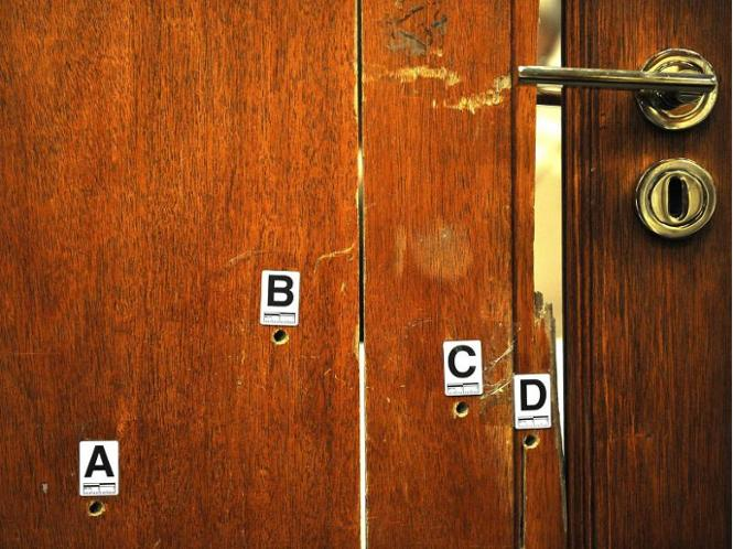 In pistorius badezimmertür markiert foto antoine de ras archiv