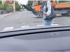 Altötting: Autofahrerin übersieht und verletzt Fußgängerin leicht - innsalzach24.de
