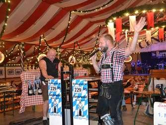 Siegerehrung bei derStoahebn-Meisterschaft auf dem Herbstfest