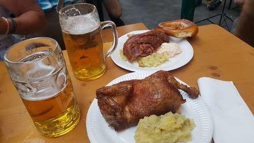Stelldichein der Herbstfest-Prominenz beim Unertel Weissbräu