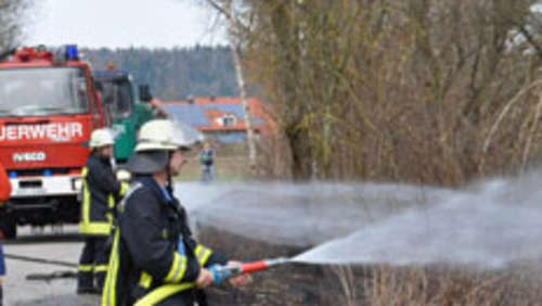 Böschungsbrand in Töging