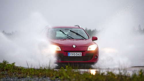 Was tun in der Aquaplaning-Falle?