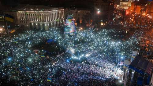 200.000 Ukrainer singen Nationalhymne