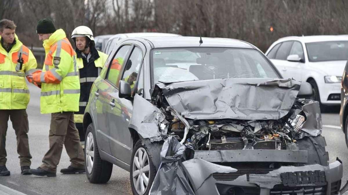 Unfall auf A99 bei Vaterstetten: Frau aus Landkreis ...