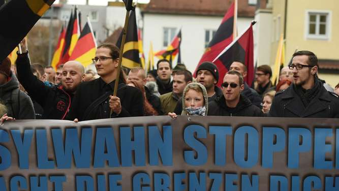 Demonstranten in Freilassing
