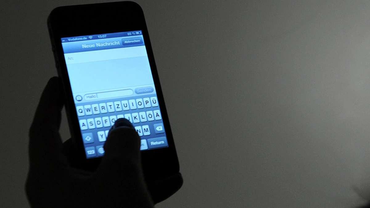 bgh beleidigende sms vom vermieter kein grund f r schmerzensgeld wohnen. Black Bedroom Furniture Sets. Home Design Ideas