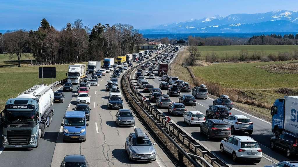 Wo Ist Stau Auf Der Autobahn
