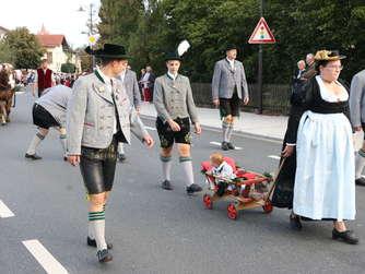 Festzug beim Haager Herbstfest (1)
