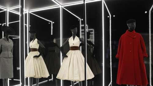 Schau in London: Dior mit britischem Flair