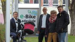 Neue E-Bike-Ladestation an der Comenius-Schule in Töging