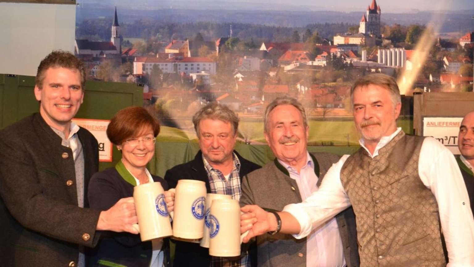 Haag: Haager Starkbierfreunde ziehen die Kommunalwahl im
