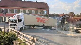 Frontalzusammensto in Burgkirchen - huggology.com