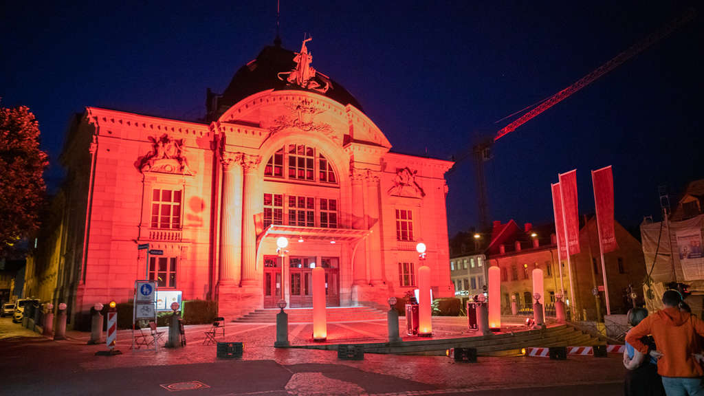 Night of Light in Bayern: Gebäude erstrahlen in Rot